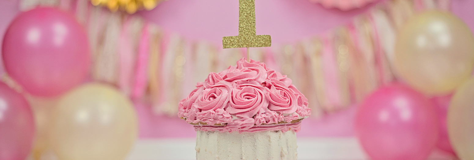 Pink and gold cake smash!