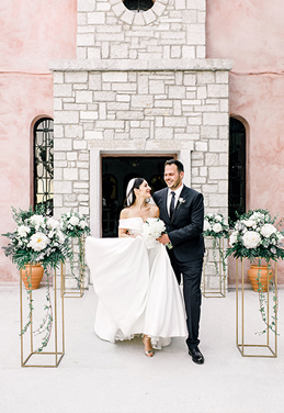 G+T / ELEGANT AND ROMANTIC WHITE WEDDING